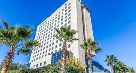 فندق هوليداي إن عمان
